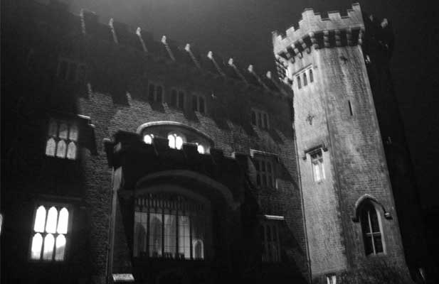 Bank Holiday Ghost Hunting Events with Haunted Happenings